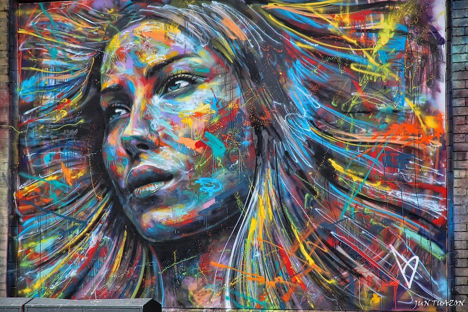 نام: A-colorful-spray-paint-portrait-of-a-beautiful-girl-by-London-graffiti-artist-David-Walker.jpg نمایش: 408 اندازه: 193.5 کیلو بایت